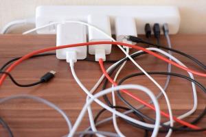 気づいたら増えているスマホ・USB・PCなどのケーブルの処分方法